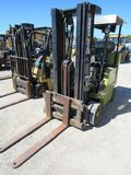 CLARK C500 WAREHOUSE FORKLIFT