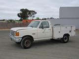 1990 FORD F-350 UTILITY TRUCK
