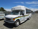 2003 FORD E-450 PARATRANSIT BUS W/ WHEELCHAIR LIFT