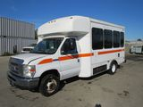 2008 FORD E-450 SD PARATRANSIT BUS W/ WHEELCHAIR LIFT