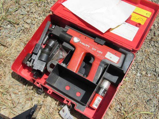 HILTI DX451 FASTENING GUN