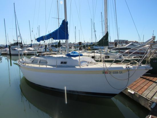 """1977 ERICSON 26' 9"""" SAIL BOAT (NON RUNNER) (SUBJECT TO SELLERS APPROVAL)"""