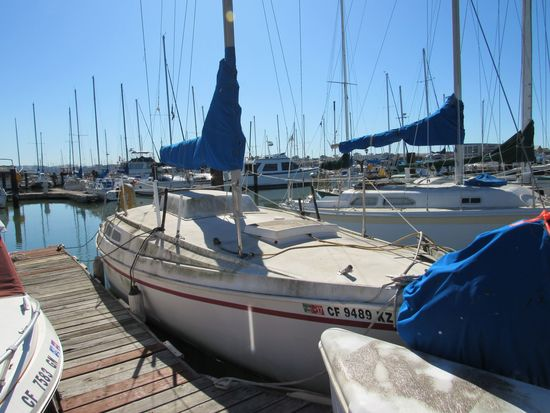 1974 CAPITAL YACHT 28' SAILBOAT (NON RUNNER) (SUBJECT TO SELLERS APPROVAL)