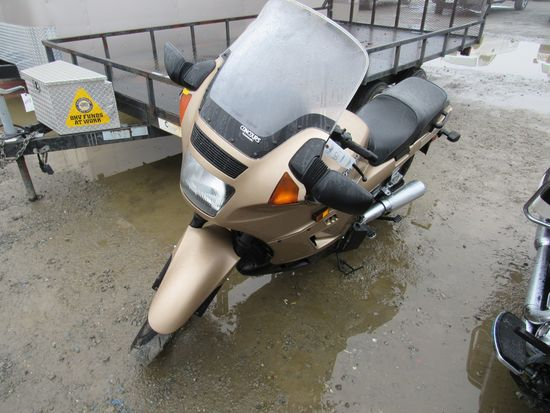 2005 KAWASAKI CONCOURS MOTORCYCLE ( COURT PAPERS)