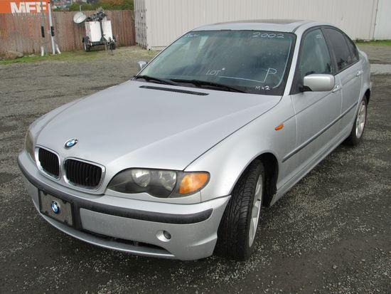 2002 BMW 325I SEDAN (COURT PAPERS) (DMV= BACKFEES)