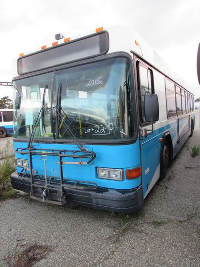 2002 GILLIG LOW FLOOR 40' PASSENGER BUS