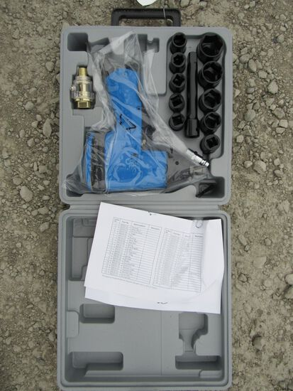 "NEW & UNUSED 1/2"" DRIVE AIR IMPACT WRENCH KIT"