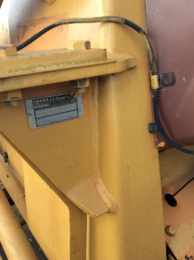 Lot: CASE 480D W/ 7' LOADER BUCKET & 7' BOX BLADE   Proxibid Auctions