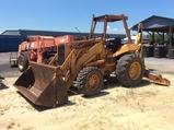 (66)CASE 680L BACKHOE - 4WD