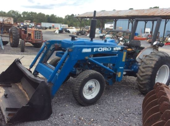 FORD 3930 W/ FORD 7209 FRONT LOADER