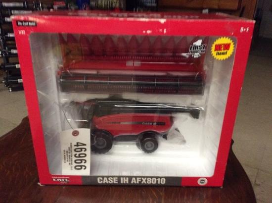 1/32 CASE IH AFX8010 COMBINE