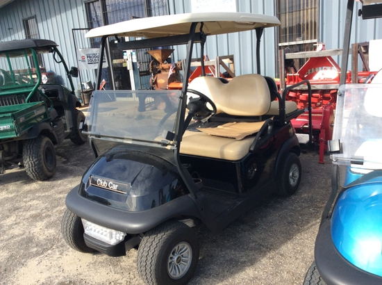 (17)2015 CLUB CAR ELECTRIC GOLF CART