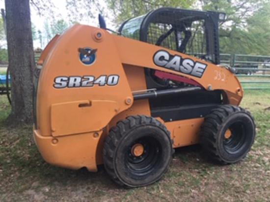 CASE SR240 SKID STEER