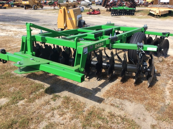 8'9 PULL TYPE OFF-SET DISC HARROW - 2424