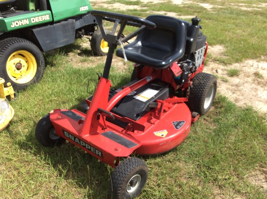 SNAPPER RIDING MOWER