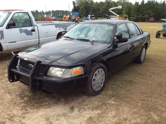 (4)2007 FORD CROWN VIC