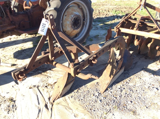 (124)FORD 2 BOTTOM PLOW