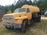(76)1986 FORD R700 WATER TRUCK - NO TITLE