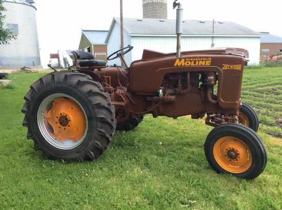 1962 Jet Star farm tractor, totally restored, 4 brand new tires, 3-pt hitch
