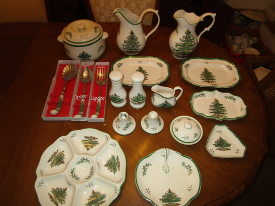 Lot of Spode Christmas Tree Serving Pieces