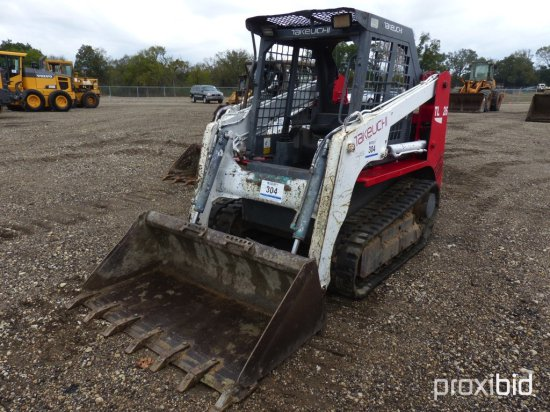 TAKEUCHI TL26 SKID STEER;