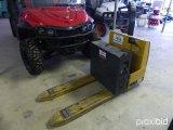 KOMATSU MWL 22 24v ELECTRIC PALLET JACK;