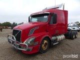 2006 VOLVO VNL TRUCK TRACTOR;