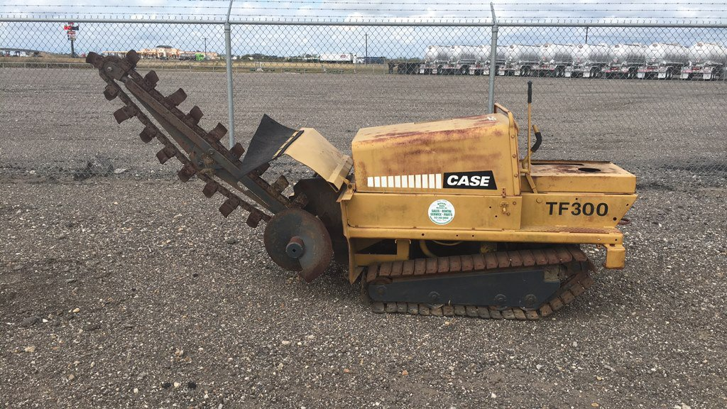 1980 CASE TF300 TRENCHER;