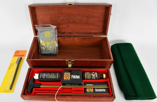 Hoppes Gun Cleaning Kit With Accessories & Wood