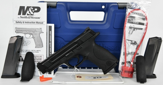 Smith & Wesson M&P 45 Semi Auto Pistol .45 ACP