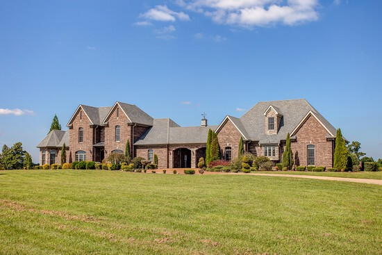 Luxury Custom-Built Country Home on 58.60 Acres