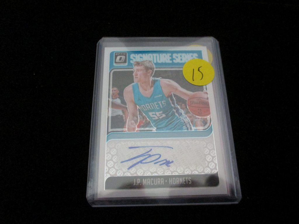 J.P Macura Signiture Card Hornets