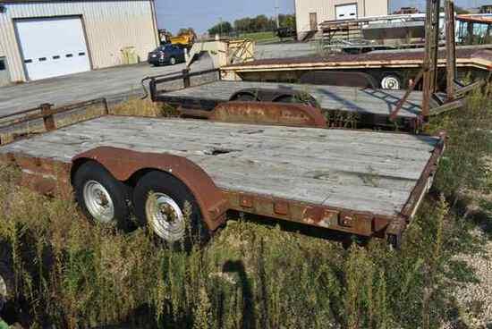 (Located in Mendota, IL) Fleetcraft Wood Deck Trai