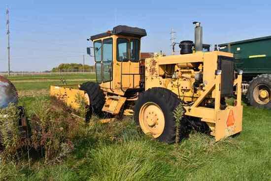(Located in Mendota, IL) Bonnell Pusher, Turbo II
