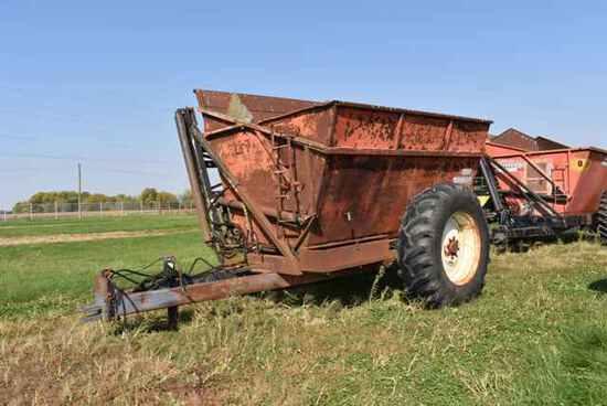 (Located in Mendota, IL) OXBO Byron Model 1512 Dum
