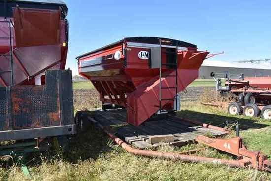 (Located in Sleepy Eye, MN) J&M Model #440 Dumper,