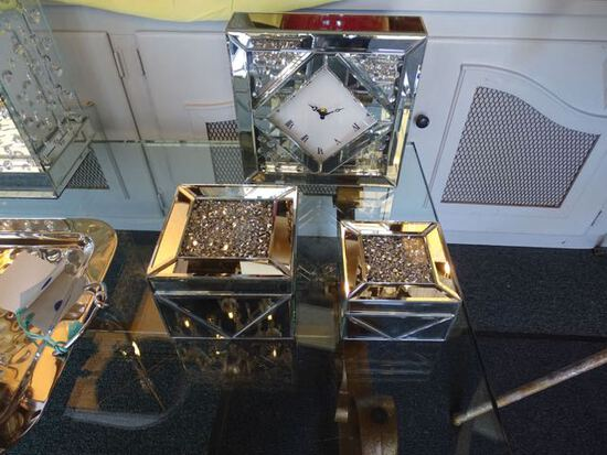 CRYSTAL CLOCK & BOXES (X3)  RETAIL $60