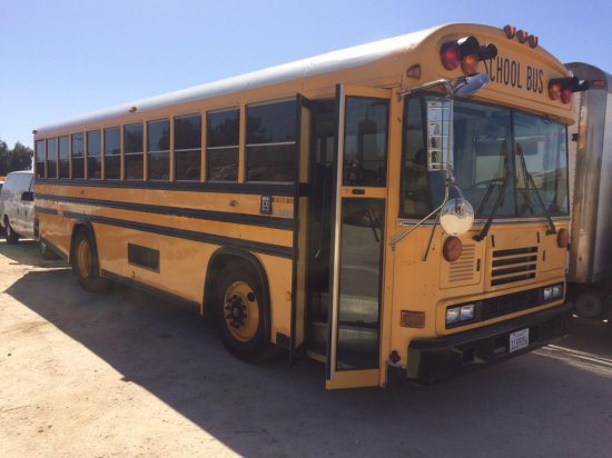 2006 BLUE BIRD SCHOOL BUS