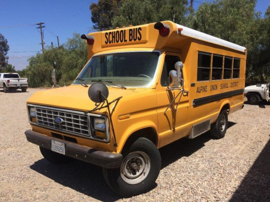 OFFSITE LOT - 1991 FORD SCHOOL BUS