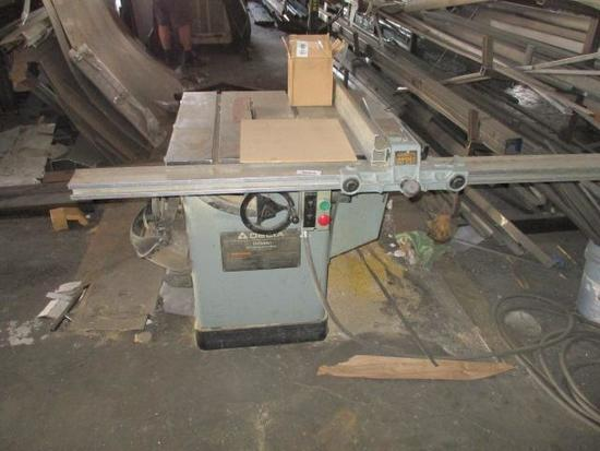 DELTA 10' TABLE SAW