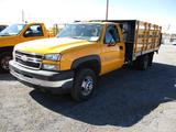 2006 CHEV 3500 STAKE BED