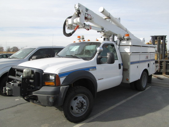 2006 FORD F550 BUCKET TRK