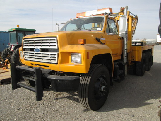1988 FORD F900 TOW TRUCK