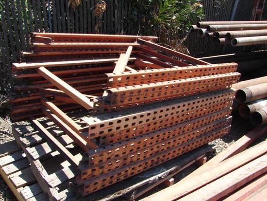 Pallet Racking (4 Pallets)