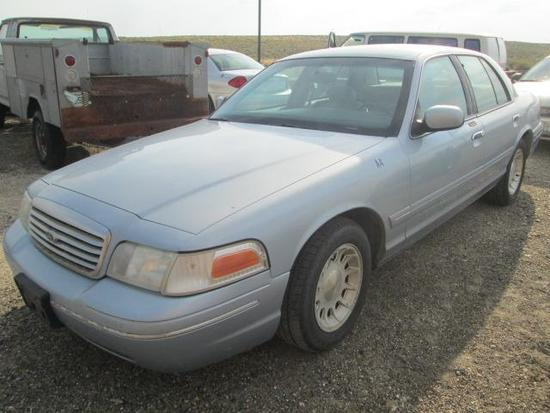 1999 FORD CROWN VIC LX