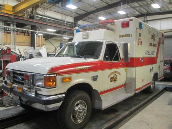 1990 FORD SUPERDUTY AMBULANCE