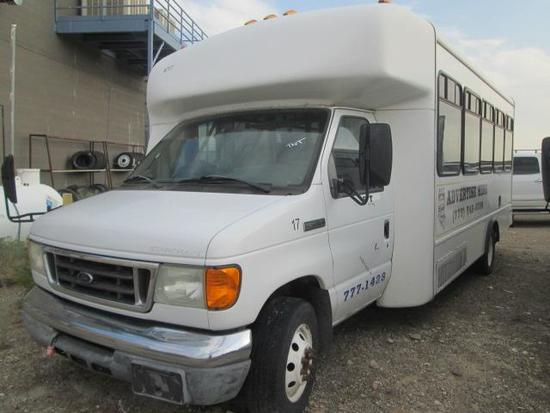 2007 FORD E450 SHUTTLE BUS