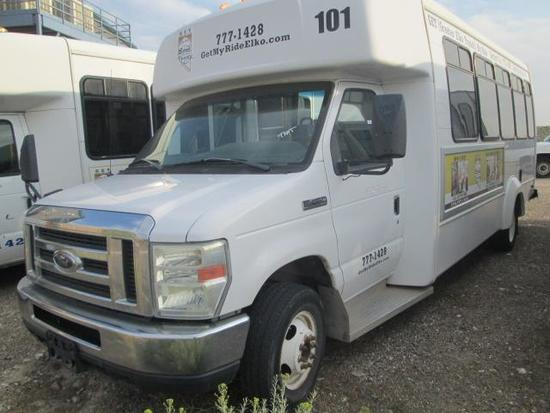 2010 FORD E450 SHUTTLE BUS