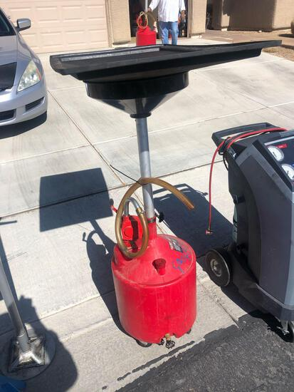 (2) RANGER, 18 GALLON PORTABLE PUMPING UPRIGHT OIL DRAINS. AND OIL MERCHANDISING DISPLAY.