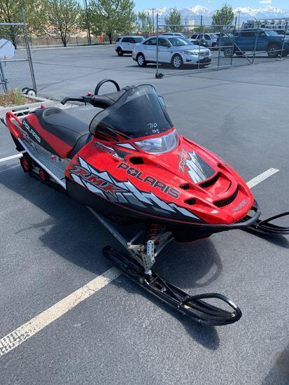 2005 POLARIS SNOWMOBILE 700